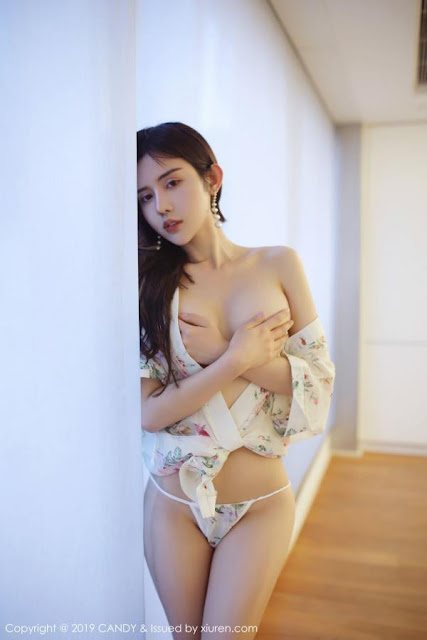 Hot and sexy topless photos of beautiful busty asian hottie chick Chinese booty model Yaqi Zhuo photo highlights on Pinays Finest Sexy Nude Photo Collection site.