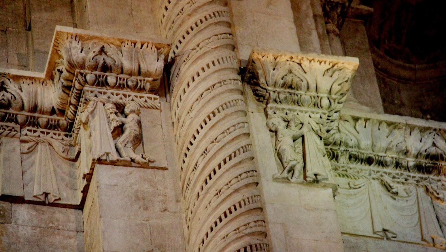 L 39 art roman passionn ment la d coration de la - Le comptoir des arts saint paul trois chateaux ...