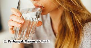 Saat Berbuka Puasa Perbanyak Minum Air Putih selama pandemi COVID-19