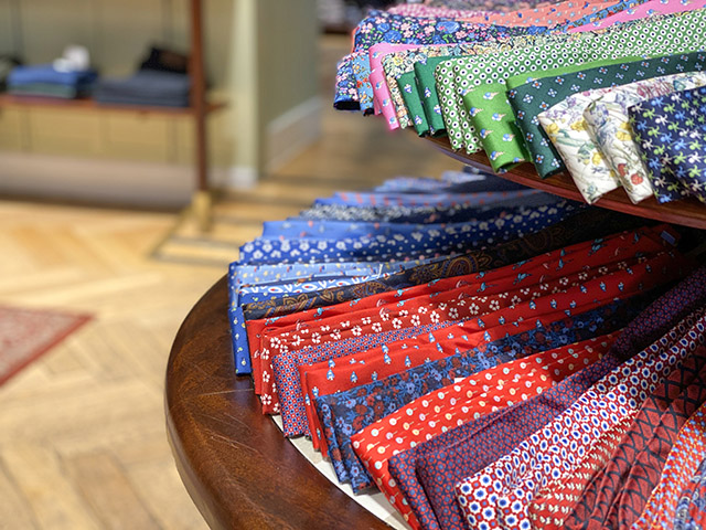 St James's Christmas London ties