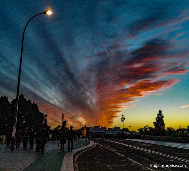 Sevilha, Andaluzia: pôr do sol na Ponte de Triana