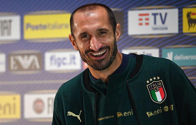 """Chiellini: """"Nije ispravno porediti Pirla sa Sarrijem"""""""