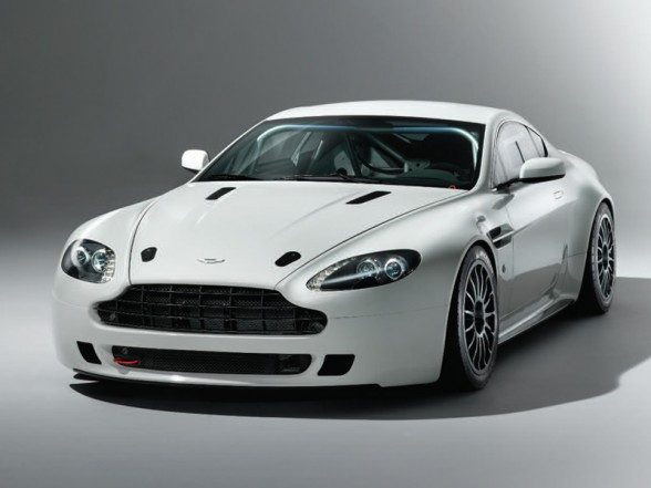 Car Overview: 2013 Aston Martin V8 Vantage