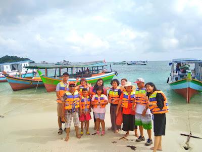 sewa boat hopping island
