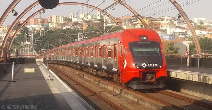 Problemas no sistema de energia prejudica a circulação dos trens da CPTM na tarde desta sexta-feira (11)
