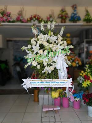 bunga standing surabaya, jual standing flower surabaya, toko bunga duka cita surabaya