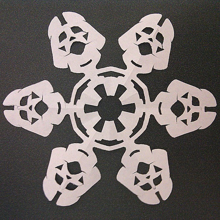 Make Paper Snowflakes For Christmas Decorations