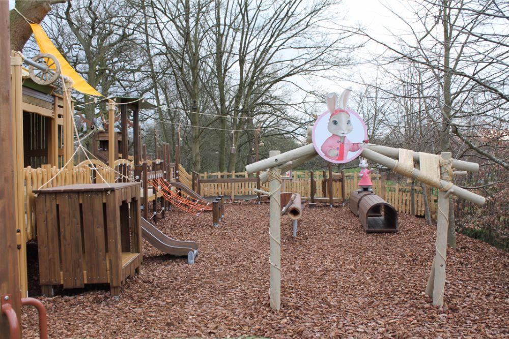 lily-bobtail-statue-adventure-playground