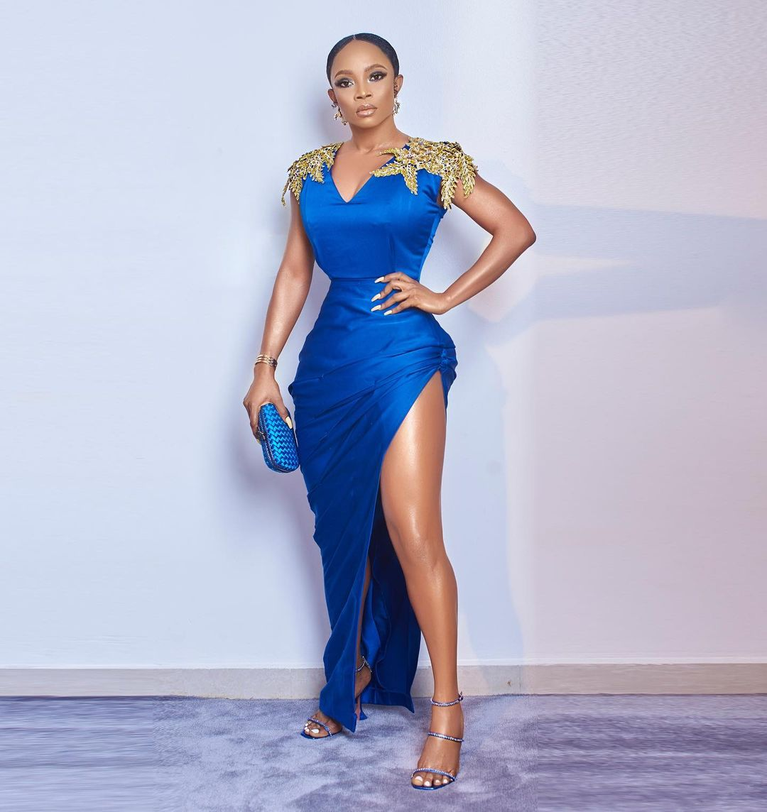 TUBO BLUE DRESS WITH GOLD DETAILS