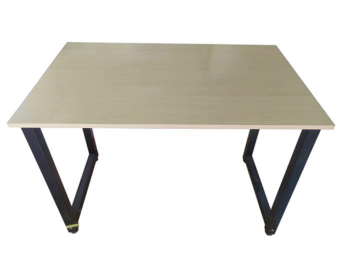 Mẫu bàn chân sắt sơn tĩnh điện lắp ráp mặt bàn gỗ mdf mã màu 325 vân gỗ dẽ gai rất đẹp