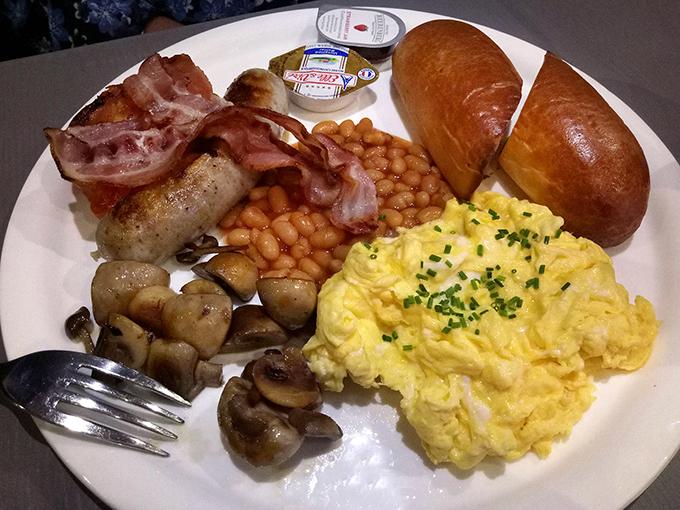 English breakfast sexual