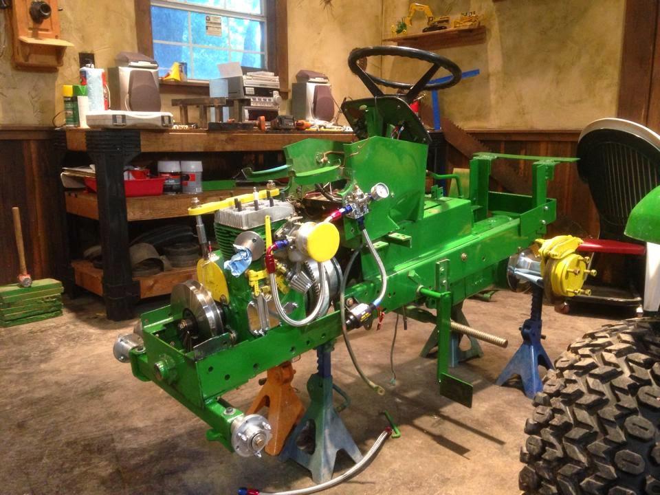 LSGTPA TRACTOR PULLING: LSGTPA Tractor Pulling Teams Prepare