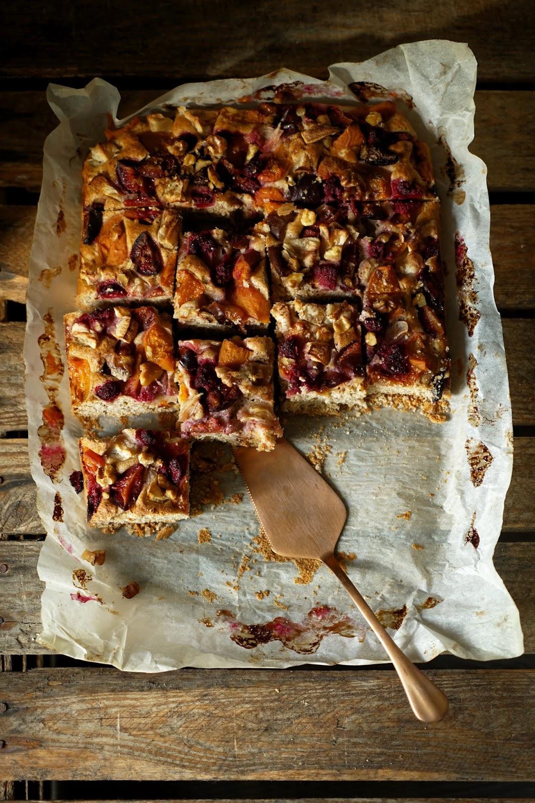Pełnoziarniste ciasto ucierane z owocami
