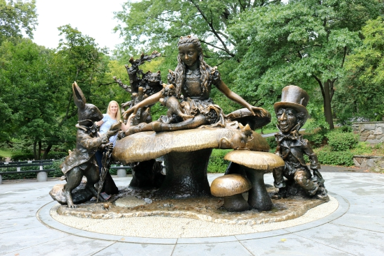 Alice in Wonderland Statue | Central Park, New York City