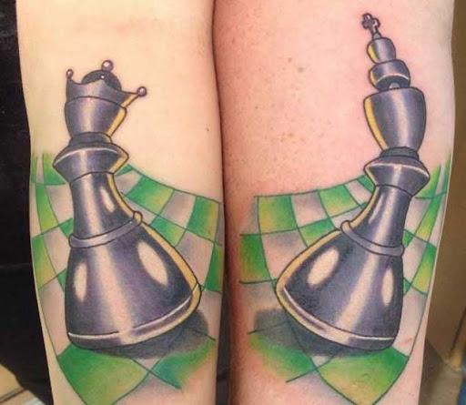 Estes rei e a rainha peças de xadrez