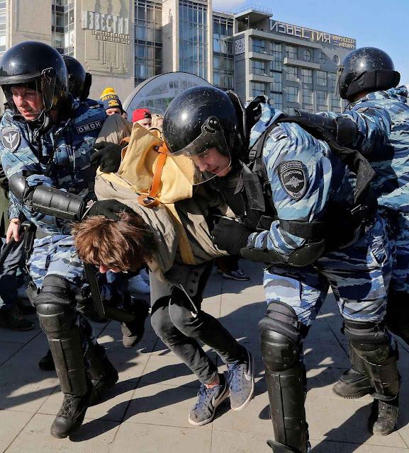 Violência repressiva prendeu centenas de manifestantes