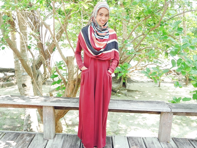 ootd red hijab dress