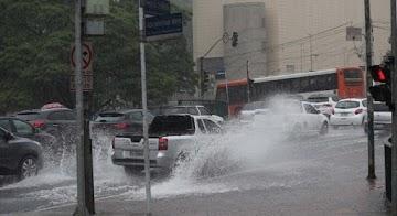 Chuvas colocam parte de São Paulo em estado de alerta