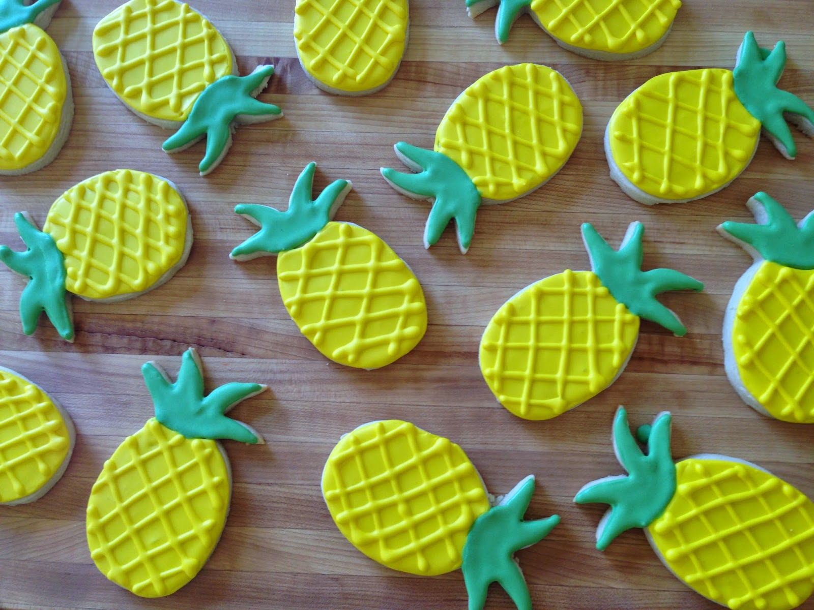 3 Sisters Kitchen Pineapple Sugar Cookies With Royal Icing