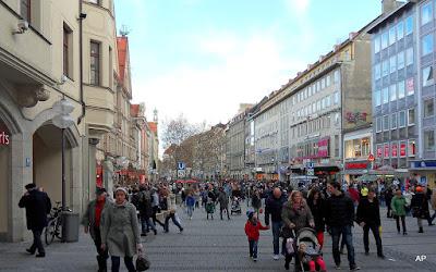 Fußgängerzone-Deptak w Monachium