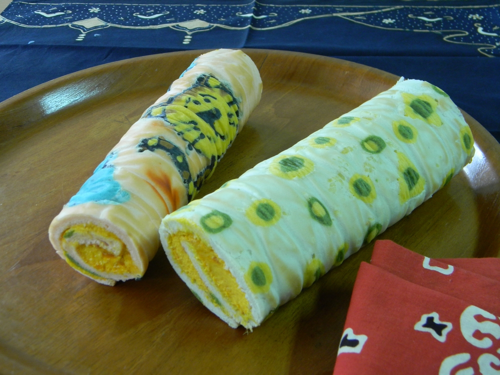 Japanese Towel Cake Recipe: Kitchen Notes: Swiss Roll: A Story Of A First