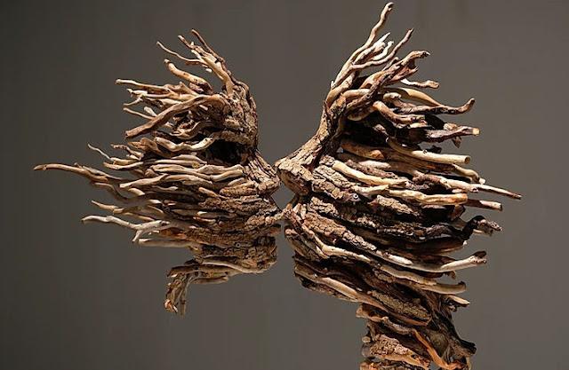 Le poesie di legno create da Alessandra Aita