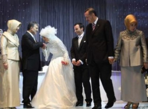 تركيا-تتكفل-بخمس-تكاليف-الزواج