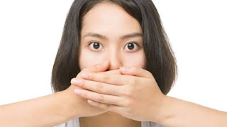 Penyebab dan 5 Cara Menghilangkan Bau Mulut Tak Sedap Secara Alami