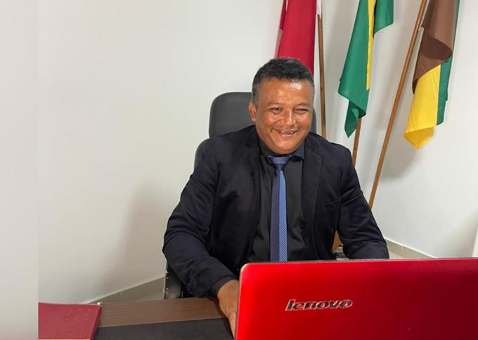 Elias pede criação de Vale-Gás para beneficiar população carente