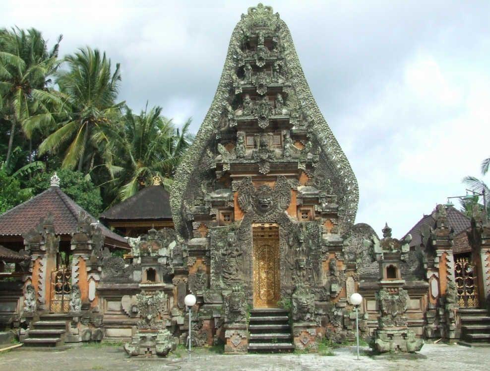 Индуистский храм Пура Далем Убуд на Бали