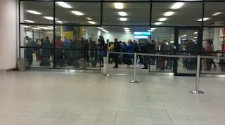 Τώρα και οι Βούλγαροι βάζουν σε «καραντίνα» τους Έλληνες επιβάτες!