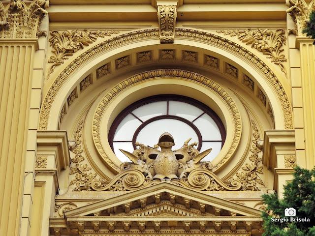 Close-up do frontão do Museu do Ipiranga - São Paulo