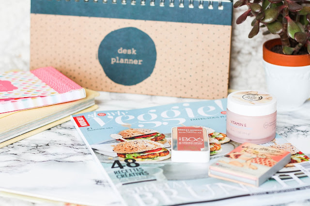 Breezy Cheek UNE Natural Beauty, The Balm, Slowly Vegan, Desk Planner