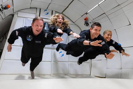 SpaceX è decollato: per la prima volta ci sono quattro turisti nello spazio