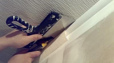 Обойные работы (оклейка стен и потолков обоями, обивка дверей обивочными материалами, оклейка стен моющимися пленочными обоями)