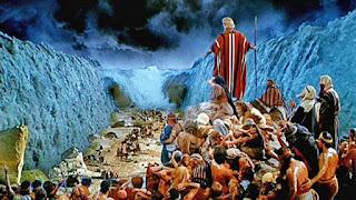 KISAH NABI MUSA DAN NABI HARUN A.S  Yakub atau Israil tinggal di Mesir sejak ia datang untuk bertemu dengan  anaknya, Yusuf. Ketika beliau wafat mereka menguburnya di tempat di mana ia dilahirkan di Palestina. Anak-anak Israil lebih memilih untuk hidup di Mesir di sisi Yusuf. Keadaan Mesir, kebaikannya yang banyak, kelayakan tanahnya, dan keharmonisan iklimnya merupakan daya tarik tersendiri bagi mereka untuk tinggal di dalamnya. Anak-anak Israil tinggal di Mesir dalam tempo yang lumayan. Mereka menikah sehingga jumlah mereka bertambah banyak.   Berlalulah tahun demi tahun dan kemudian Nabi Yusuf meninggal. Nabi Yusuf telah mengubah Islam saat beliau memegang tampuk kekuasaan. Nabi Yusuf memperjuangkan Islam dan setiap nabi yang diutus oleh Allah s.w.t pasti memperjuangkan agama Islam sejak Nabi Adam as sampai Nabi Muhammad saw. Pengertian Islam di sini ialah, mengesakan Allah s.w.t dan hanya semata-mata menyembah-Nya, meminta pertolongan kepada-Nya, dan berdoa kepada- Nya. Islam juga bererti menyerahkan niat dan amal hanya semata-mata kepada Allah s.w.t. Demikianlah yang kita fahami atau yang kita maksud dari kata al-Islam, bukan sistem sosial yang dibawa oleh Nabi yang terakhir, yaitu Nabi Muhammad saw. Sistem ini merupakan kepanjangan