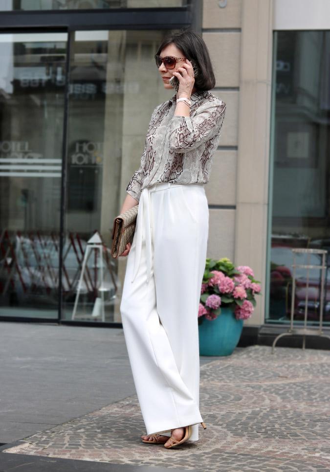 Szerokie biała spodnie stylizacje