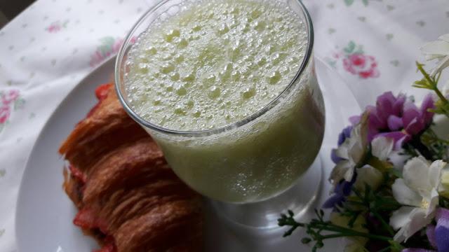 Ivy's Kitchen: Healthy Green Juice ~ 青蘋果芭樂西洋梨芹菜汁 ( Green Juice )