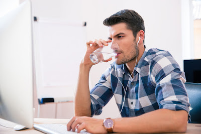 drink water to stay healthy at work