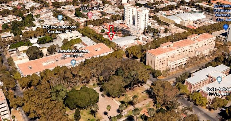 ALQUILO PROPIEDAD SOBRE CALLE ABERASTAIN (ZONA TRIBUNALES, MUNICIPALIDAD, HOSPITAL PRIVADO), EN CAPITAL, SAN JUAN, ARGENTINA.