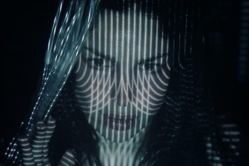 В сети появился отрывок из фантастического фильма ужасов Tin Can с Анной Хопкинс