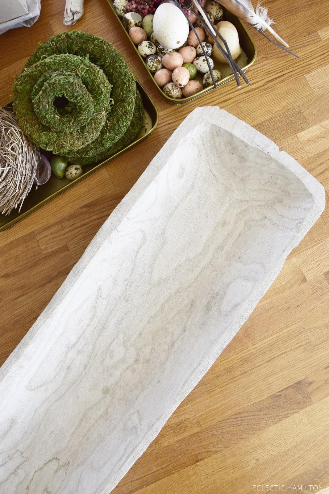 DIY Deko Frühling Frühjahr mit Hyazinthe Pfefferbeeren Moos: natürlich dekorieren für Tisch und Sideboard. Tischdeko Natur selbermachen