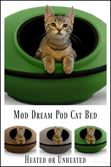 Would your cat like a heated bed that looks like a flying saucer? Check out the Thermo Mod Dream Pod heated cat bed. Recommended by MyCatSylvia.
