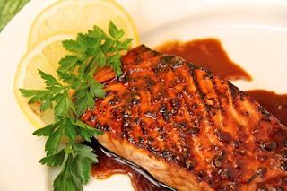 Cách nấu cá hồi nướng xốt cam và mật ong ngon tuyệt