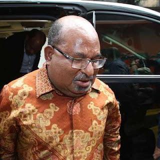 Gunakan Jalur Tikus, Gubernur Lukas Enembe Kunjungi PNG