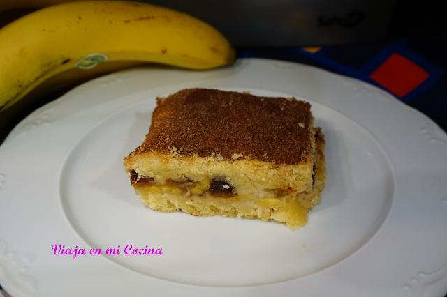 Pastel de plátano y dátiles