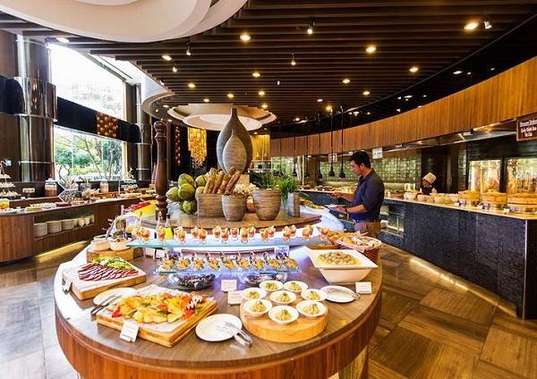 No nê tại buffet nhà hàng lớn nhất Siêm Riệp