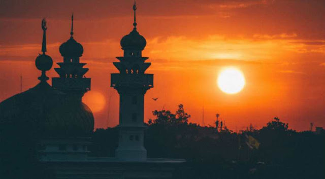 Eid Takbeerats to recite from Loudspeakers at Mosques, Procedure of Eid Prayer at Home