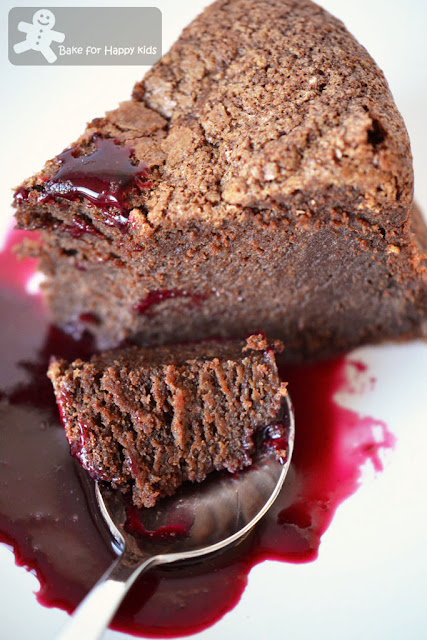 chocolate hazelnut cake mixed berries coulis