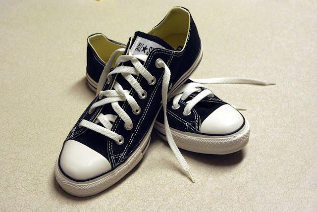 Sepatu Jenis Sneakers dan Berbagai Merk Terbaik yang Bisa Dipilih